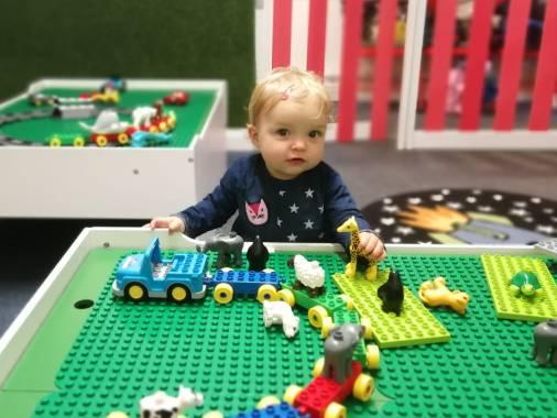 Betsy Lego